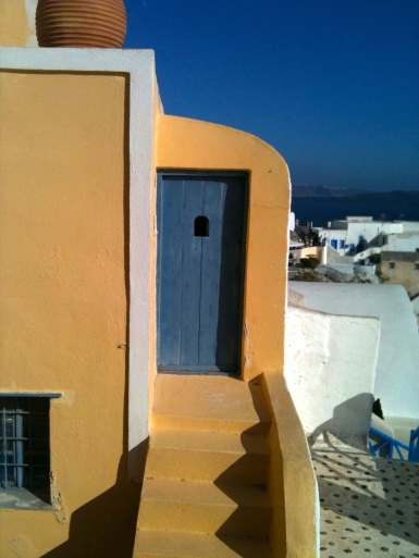 An interesting doorway in Oia