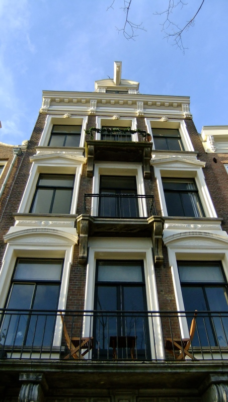 A Canalside Townhouse Amsterdam
