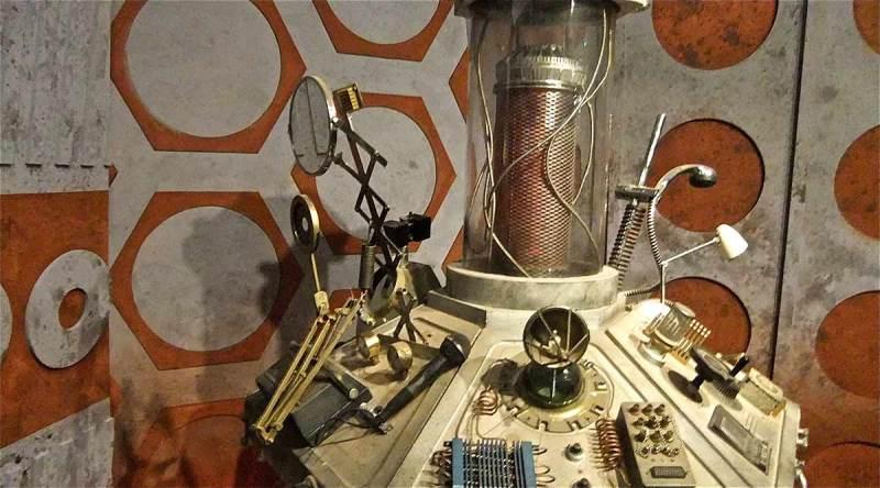 Doctor Who Junk Tardis