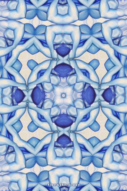 Kaleidoscope image oil painting delft kooleido