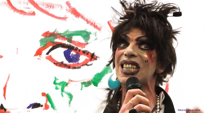 David Hoyle donates a painting to the Tate